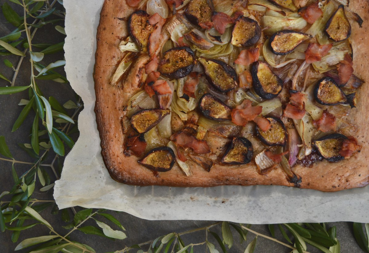 fig, bacon and onion paleo tart
